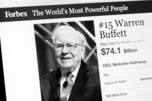 Photo of Warren Buffett who made the bulk of his fortune after age 65, due to compound interest.